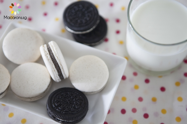 Cookies and Cream Macarons In Singapore
