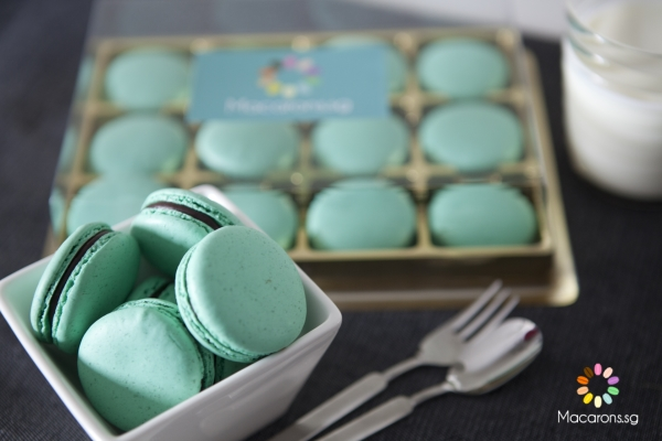 Chocolate Mint Singapore Macarons