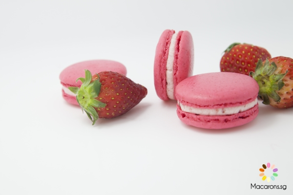 Korean Strawberry Macarons In Singapore